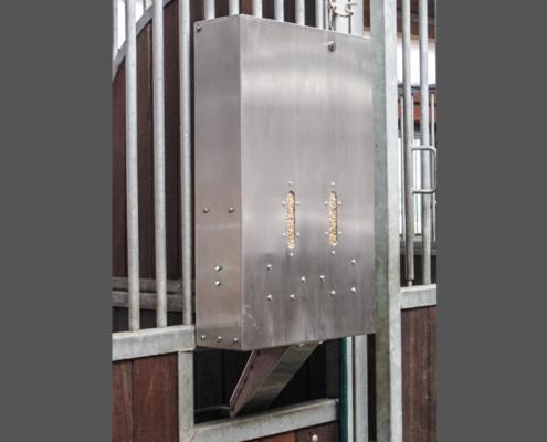 Powerfeeder 2 - der Futterautomat von B&B equipment Futterleitschiene